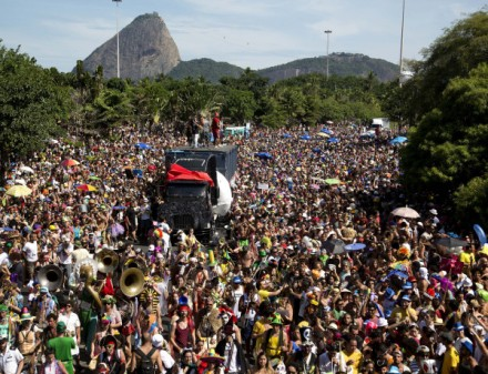 RJ_carnaval-de-rua1-600x460